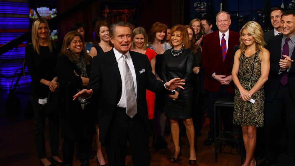 """Muore Regis Philbin star di """"Chi vuole essere un milionario"""""""