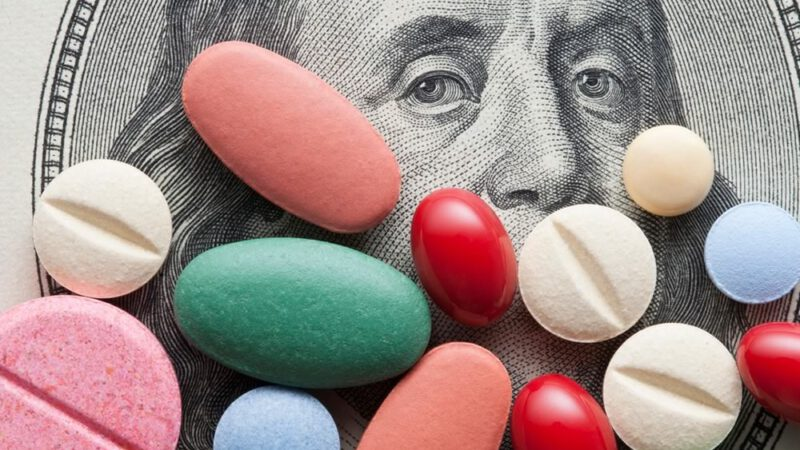 Big Pharma rimprovera Biden