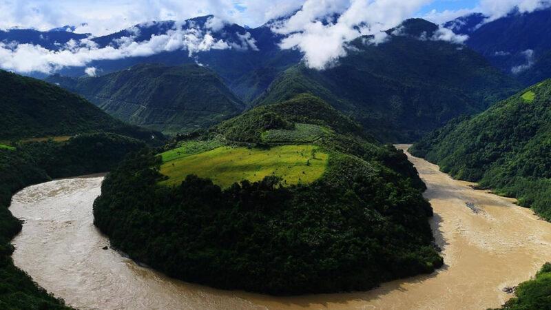 Una mega diga sulla Grande Ansa della Cina